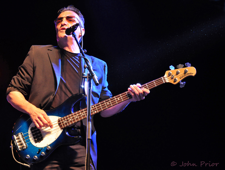 Peter Fredette :: Singer, Performer, Producer :: Kim Mitchell Band :: Ottawa