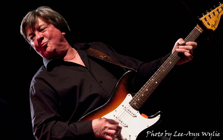 Les Emmerson :: Singer, Songwriter :: 5 Man Electrical Band :: Ottawa