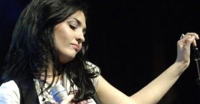 Rebecca Noelle :: Musician, Singer, Songwriter, Performer, Producer :: Ottawa