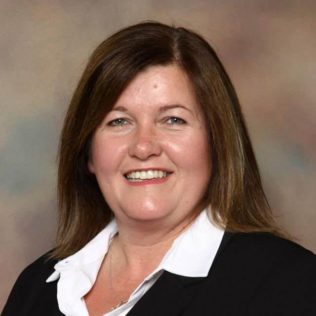 """""""Denise sure knows her stuff. I have learned a lot about social media in Denise's class like how social media is all about building relationships. Every business trying to get noticed on social media should have a representative attend Denise's class! - plus I got to network with lots of other people and got to know their story and businesses too. Thanks Denise! """" - Donna Frison LeBlanc, SmartInsurance"""