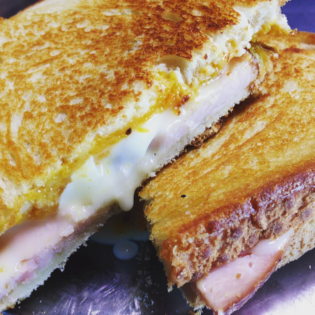 brie-grilled-cheese.jpg