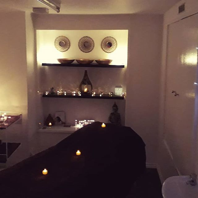 Massage in the Southside - Bespoke serviceRelaxing therapy spaceComplimentary drinksAftercare adviceFriendly ServiceHeated treatment couchCosy atmosphereGift vouchers available