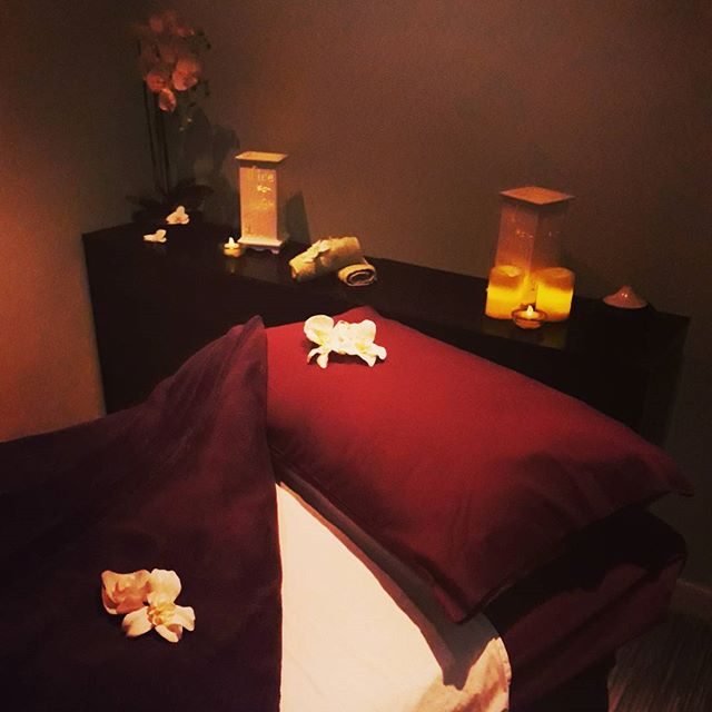 Massage in Ayrshire - Relaxing reception areaComplimentary drinksAftercare adviceFriendly therapistsBespoke serviceHeated therapy bedGift vouchers available