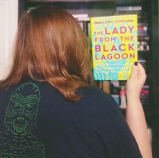 There won't be a new video up tonight, gonna take a mental health day...but if you're wondering what I'll be doing, I'll finally be finishing The Lady From the Black Lagoon by @malloryomeara 💀 The Creature is my favorite Universal movie monster, so a book about the badass Milicent Patrick is pretty much the perfect thing to read today 😍  #theladyfromtheblacklagoon #creaturefromtheblacklagoon #milicentpatrick #malloryomeara #bookstagram #bibliophile #horrorishealthy #nothorror