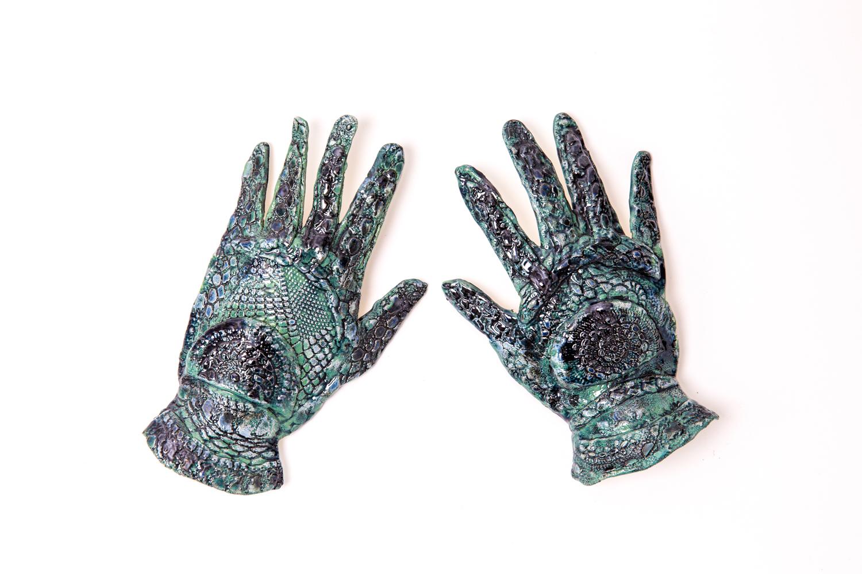 Porcelain gloves