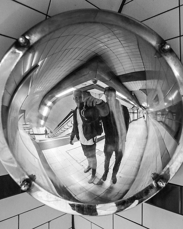 Vetsina fotek, ktery sem v Londyne udelal me vylozene sere. Fotka s brachou rozhodne ne. ✌️