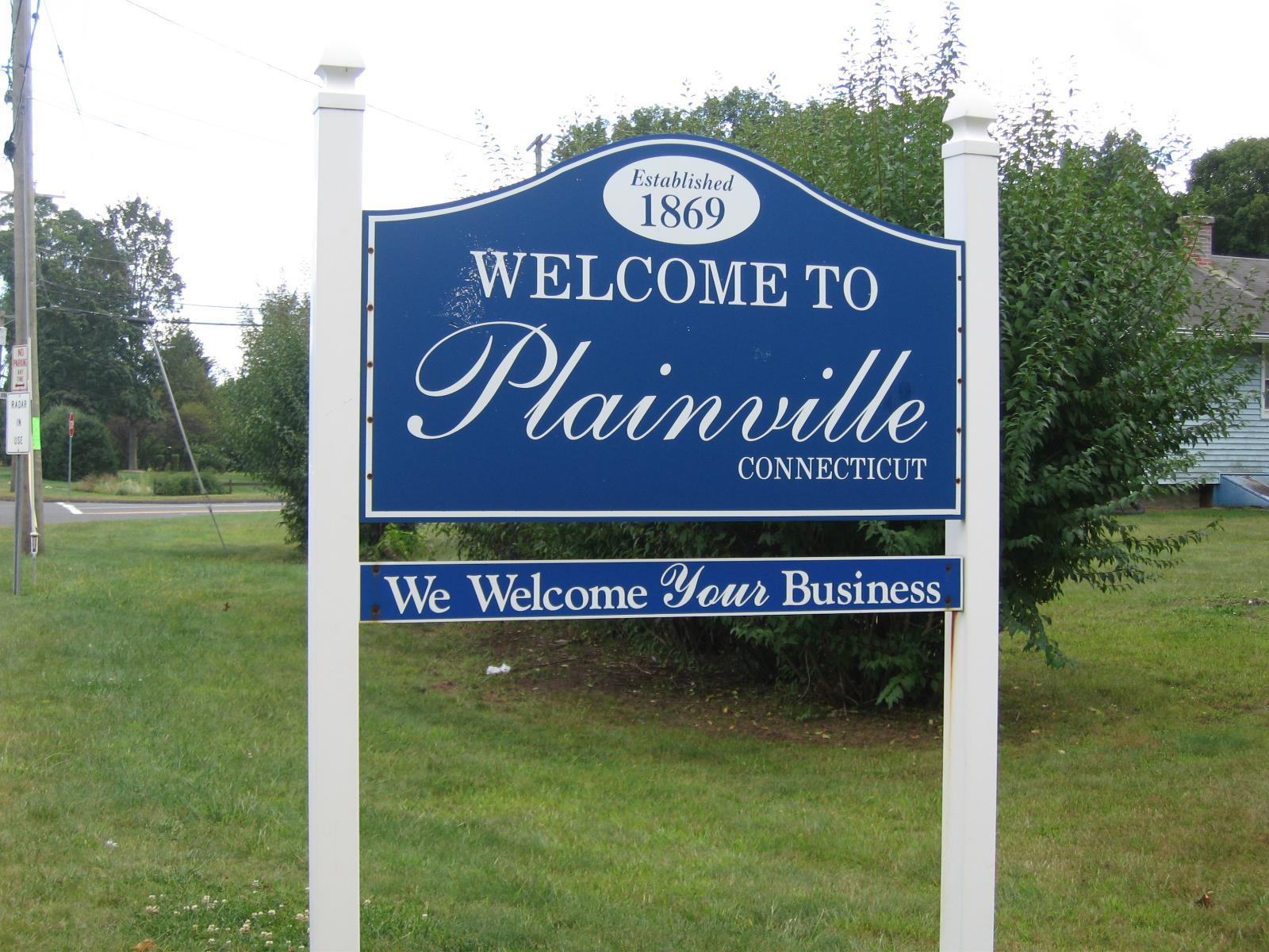 PlainvilleWelcomeSign.JPG