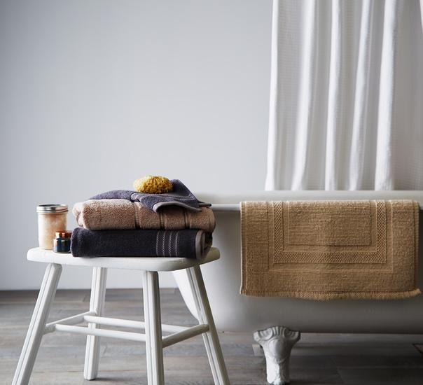bathtowels_tub.jpg