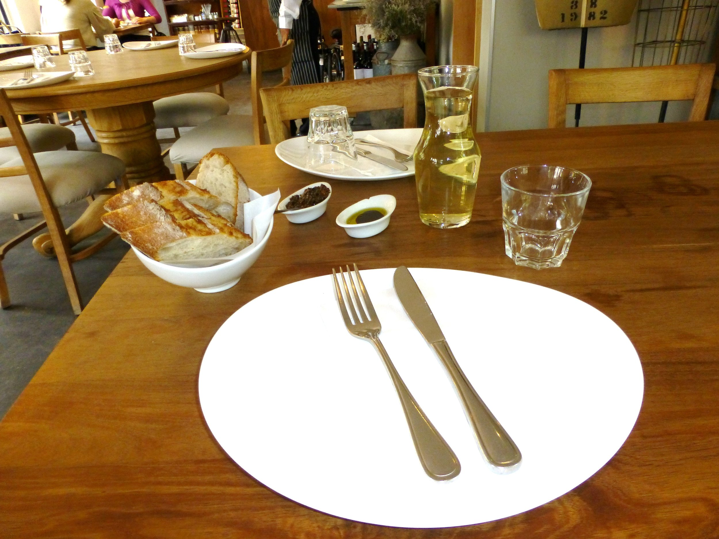 AB place setting