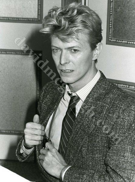 David-Bowie-1982-NYC-cliff.jpg