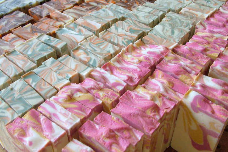 Robin of  River Country Soapworks  creates beautiful and high quality products. Shown here are her lovely  wedding favor soaps .