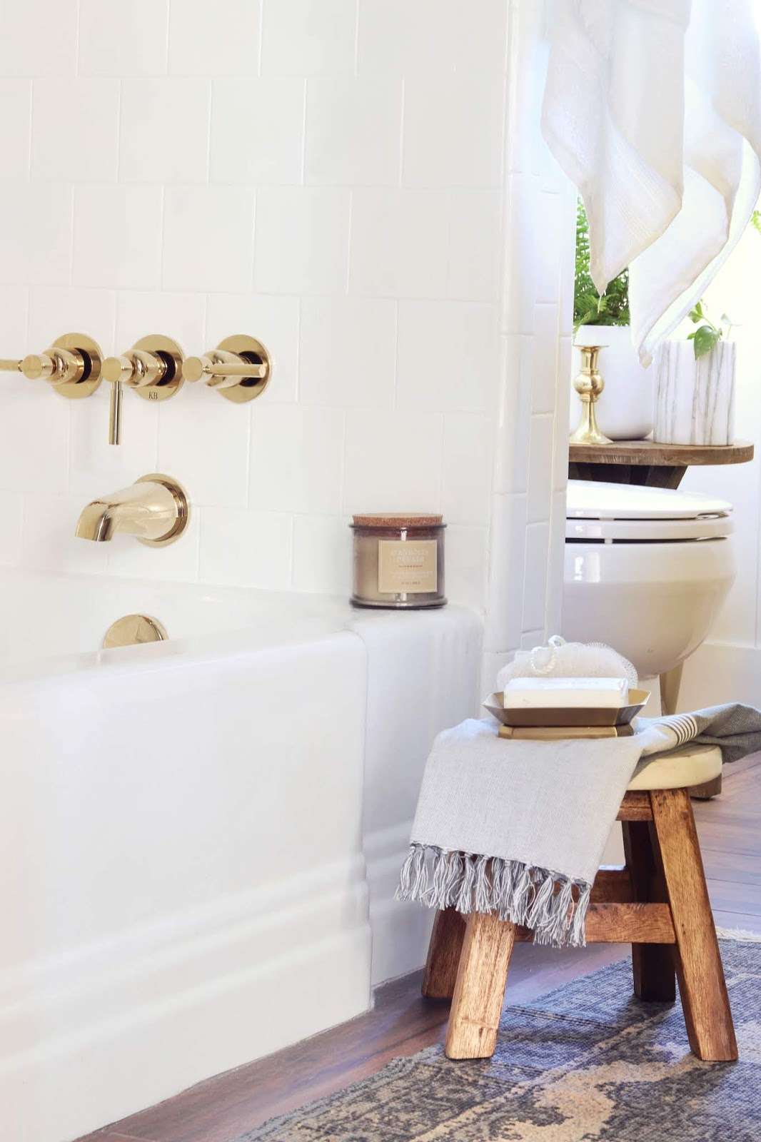 I love the bright spa vibes Carli created in this bathroom.