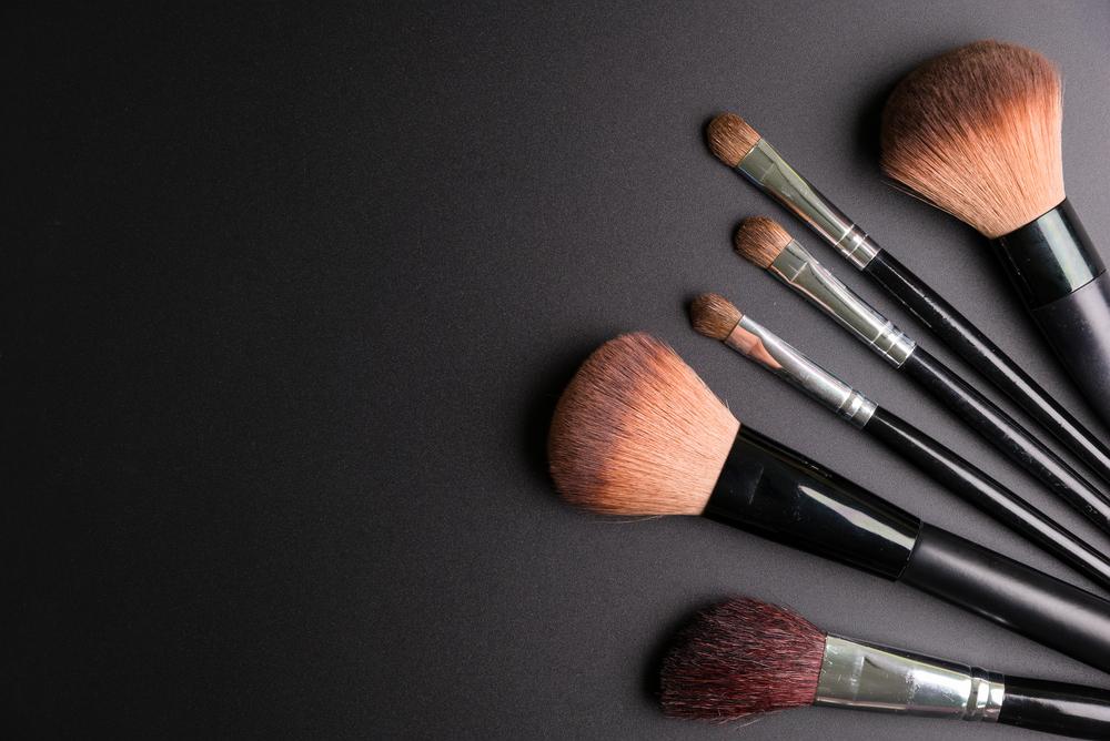 Make-Up Cover Web.jpg