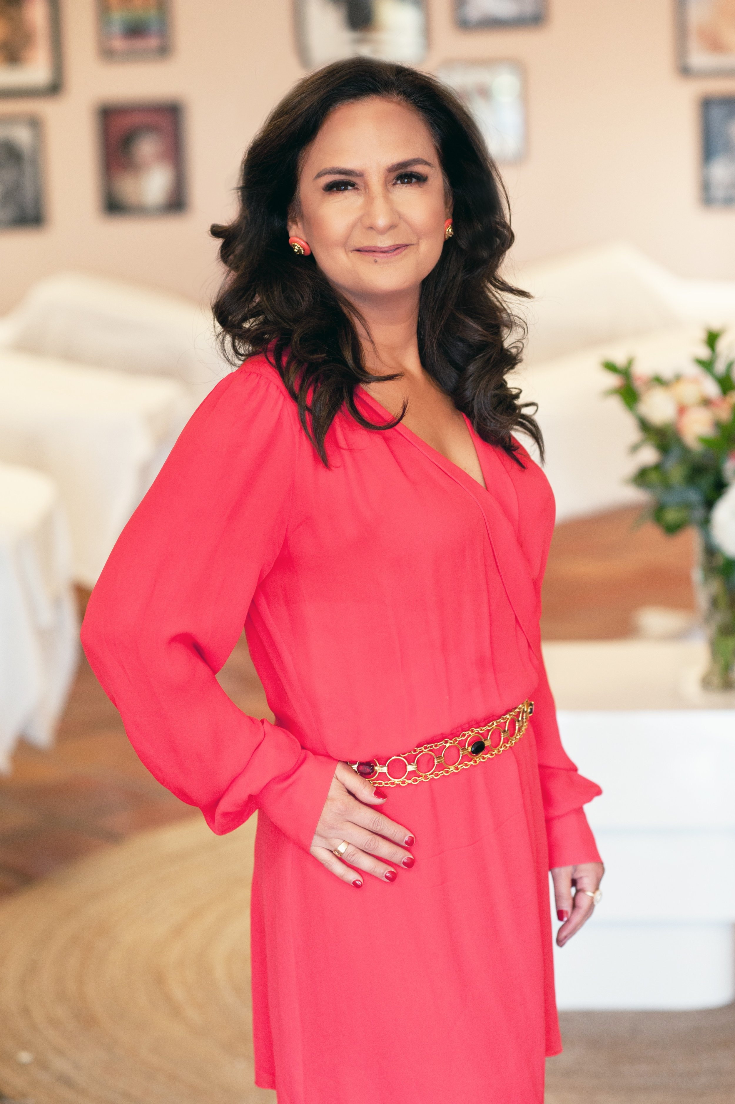 Belinda WellmanCo-Owner, Master StylistLicensed EstheticianFounder of thelashrevolution.comTrained in Classic & Volume Lash Application, Educator in Lash Extension ApplicationNALA ACCREDITED MEMBER -