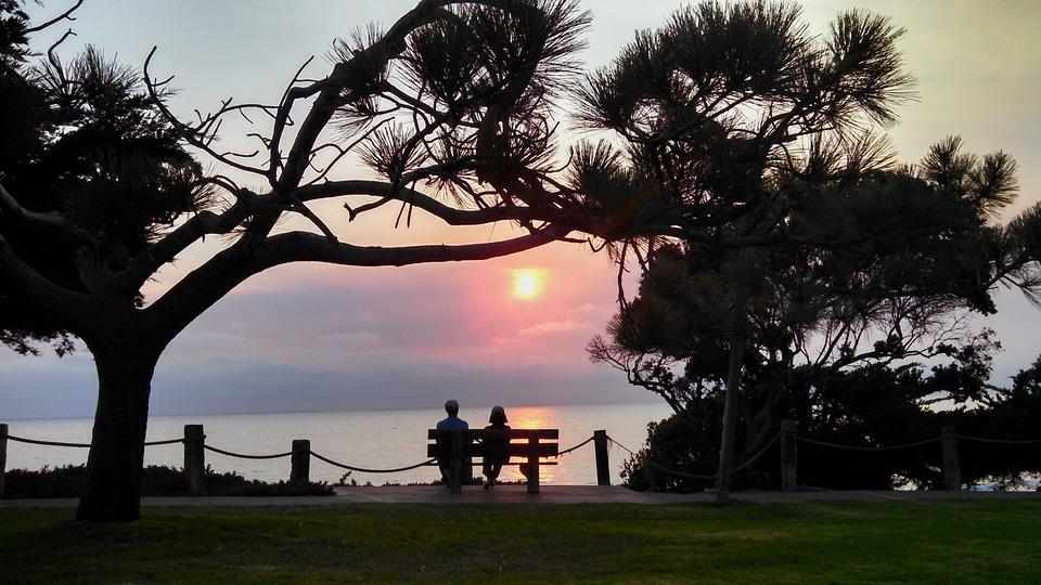 sunset-970694_960_720.jpg