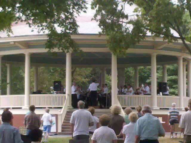 bandstand3 072411.jpg