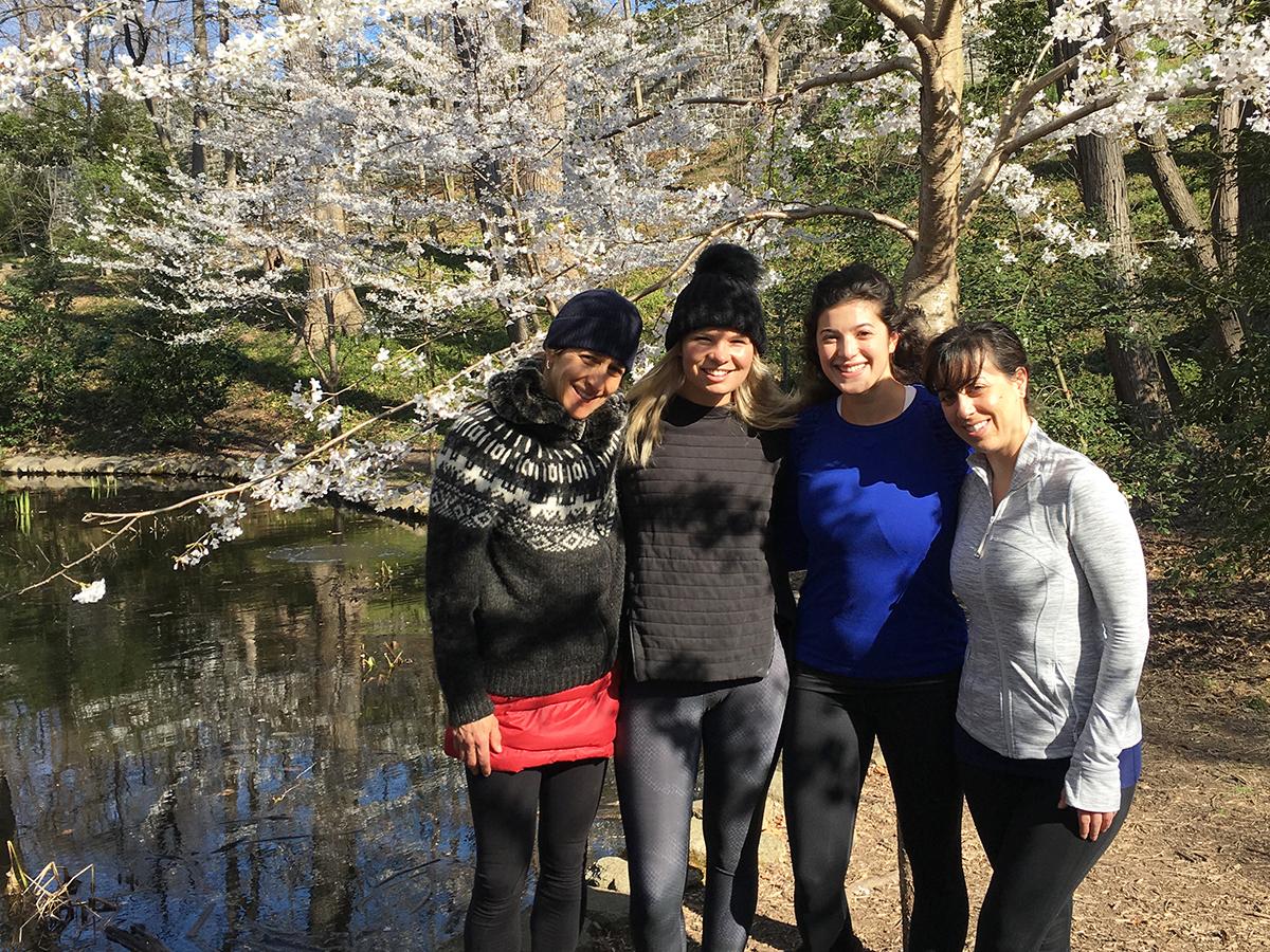 Outdoor-Meetups-Adventure-Hiking-Wilderness-Elements-DC-CUSTOM-RETREAT-3.jpeg