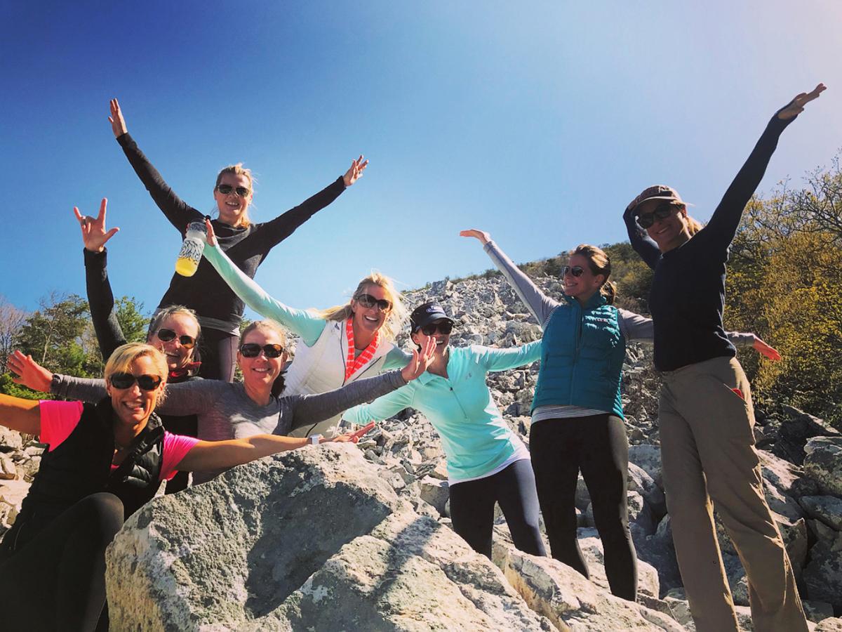 Outdoor-Meetups-Adventure-Hiking-Wilderness-Elements-DC-CUSTOM-RETREAT-11.jpg