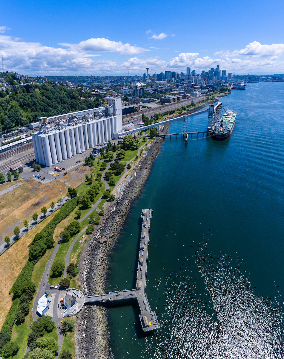Elliott Bay Trail Look South Looking over Louis Dreyfus Grain Elevators. DJI Phantom 4