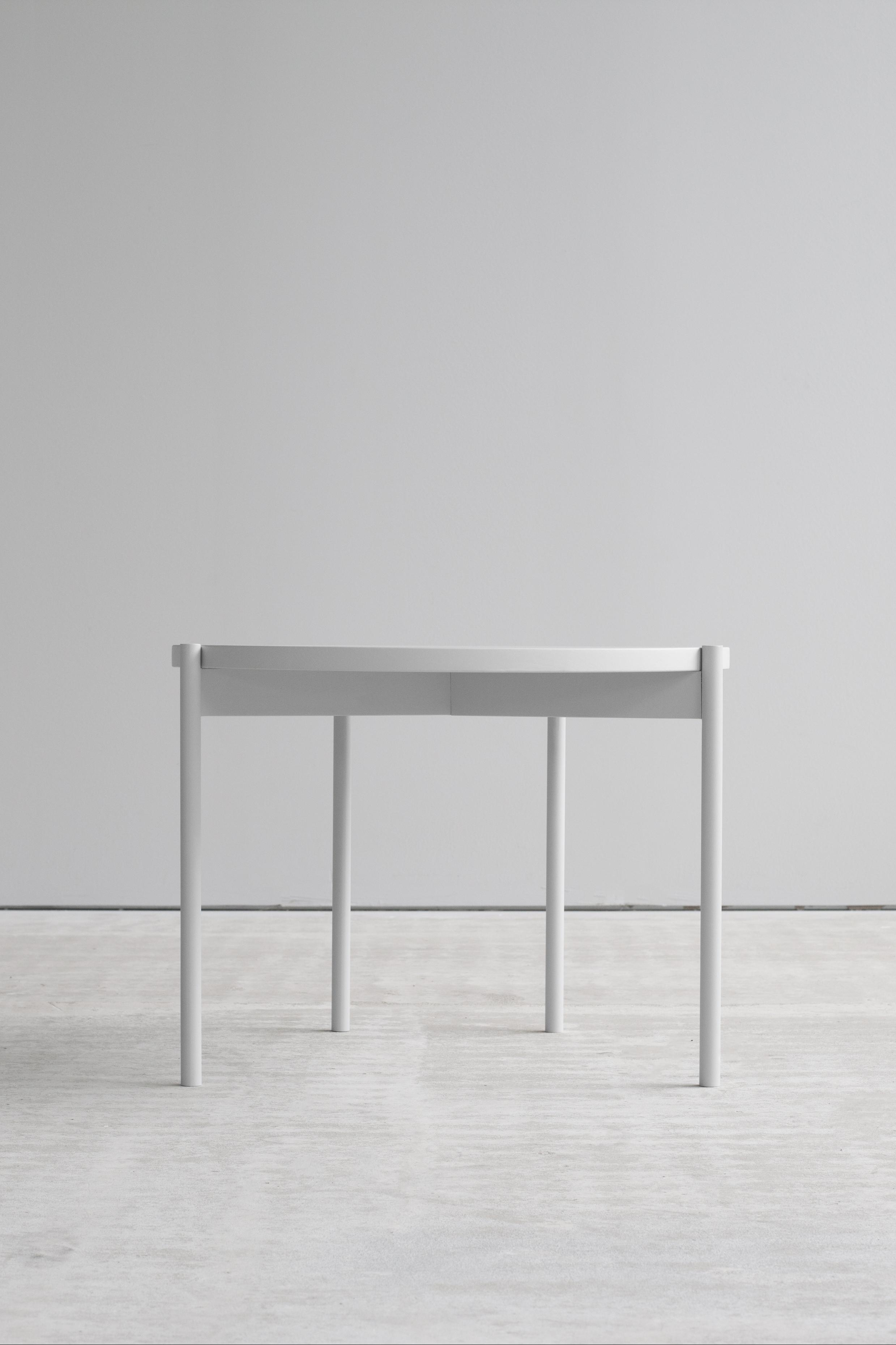 Lintel side table frontside