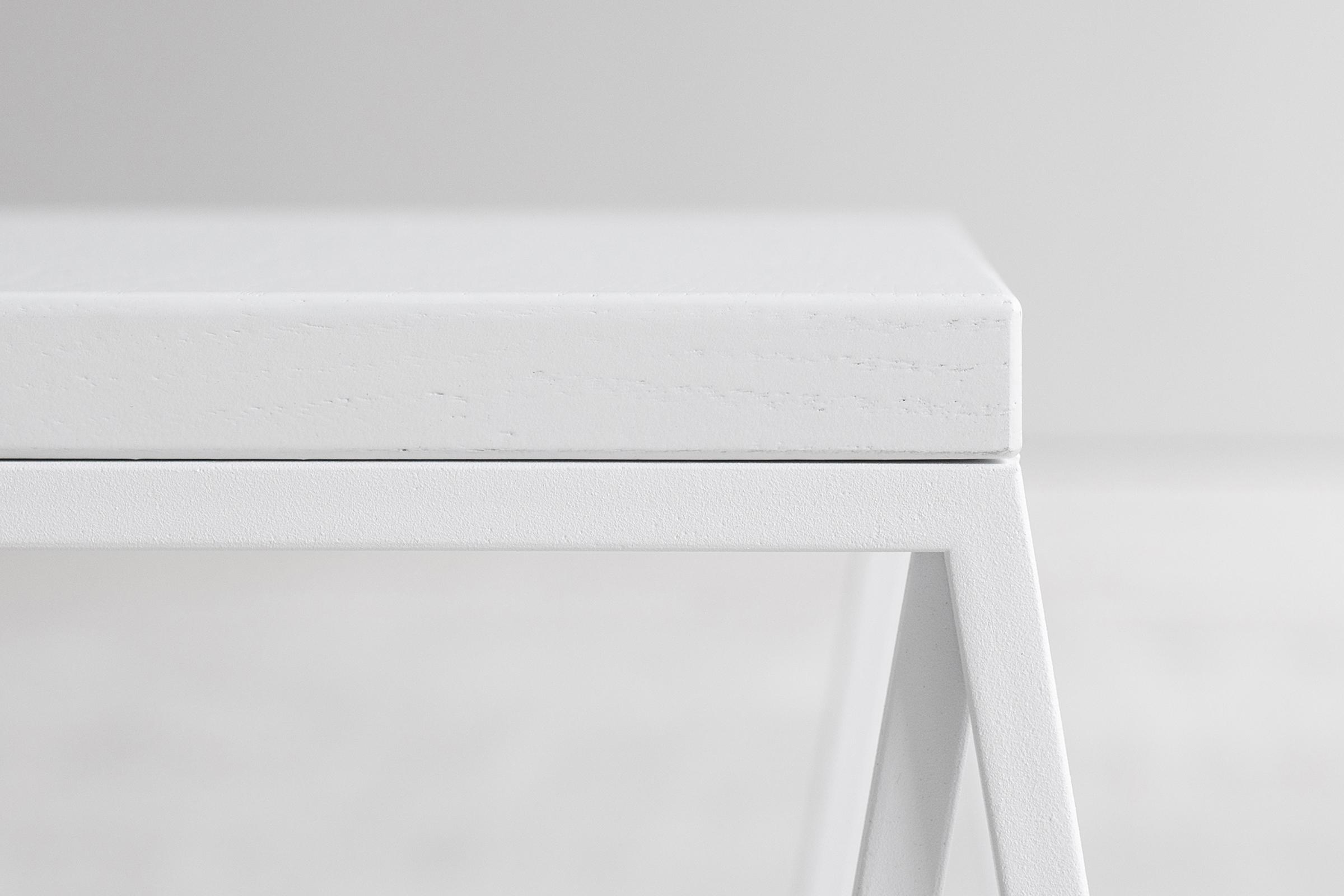 Rhomboid side object white detail