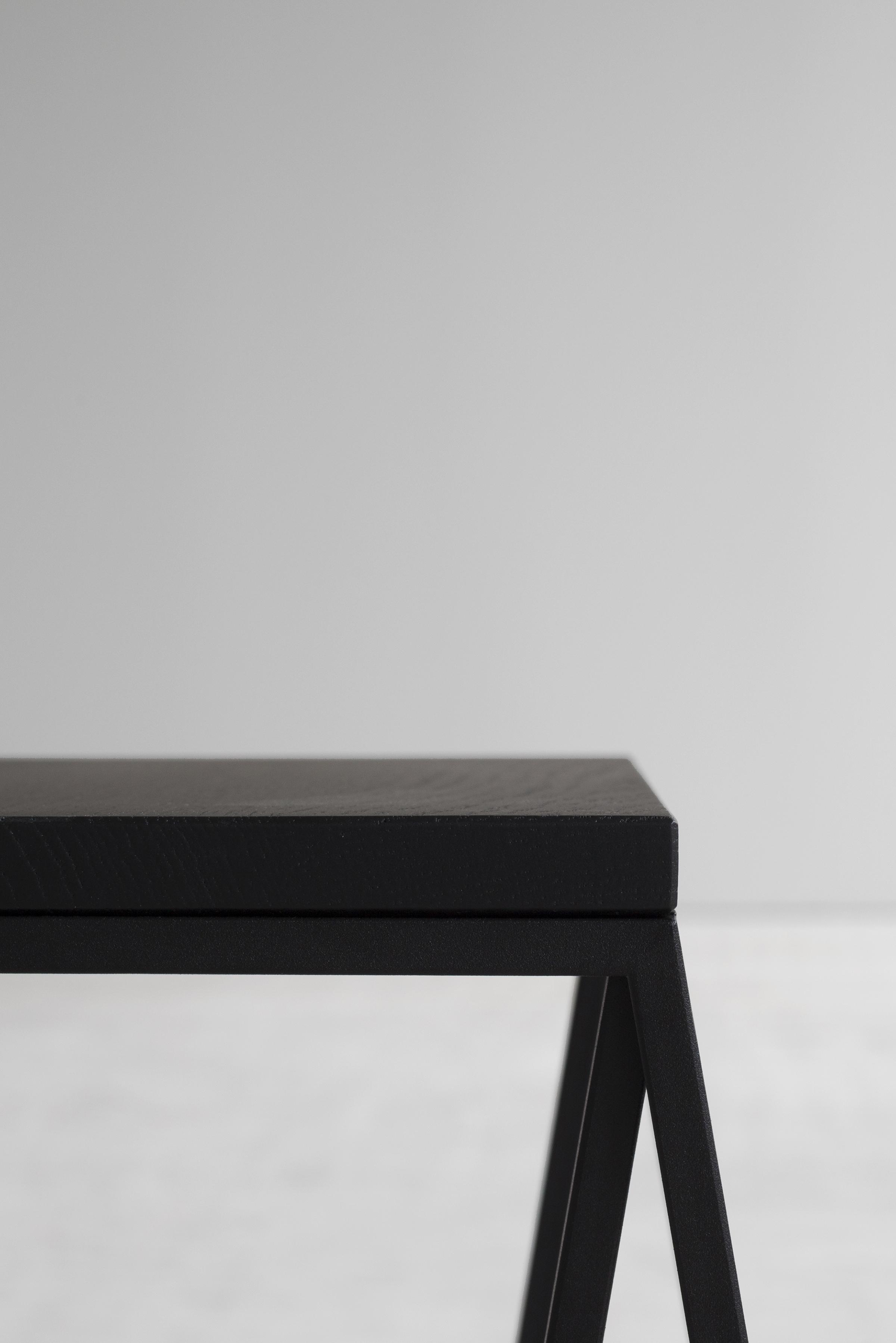 Rhomboid side object black detail