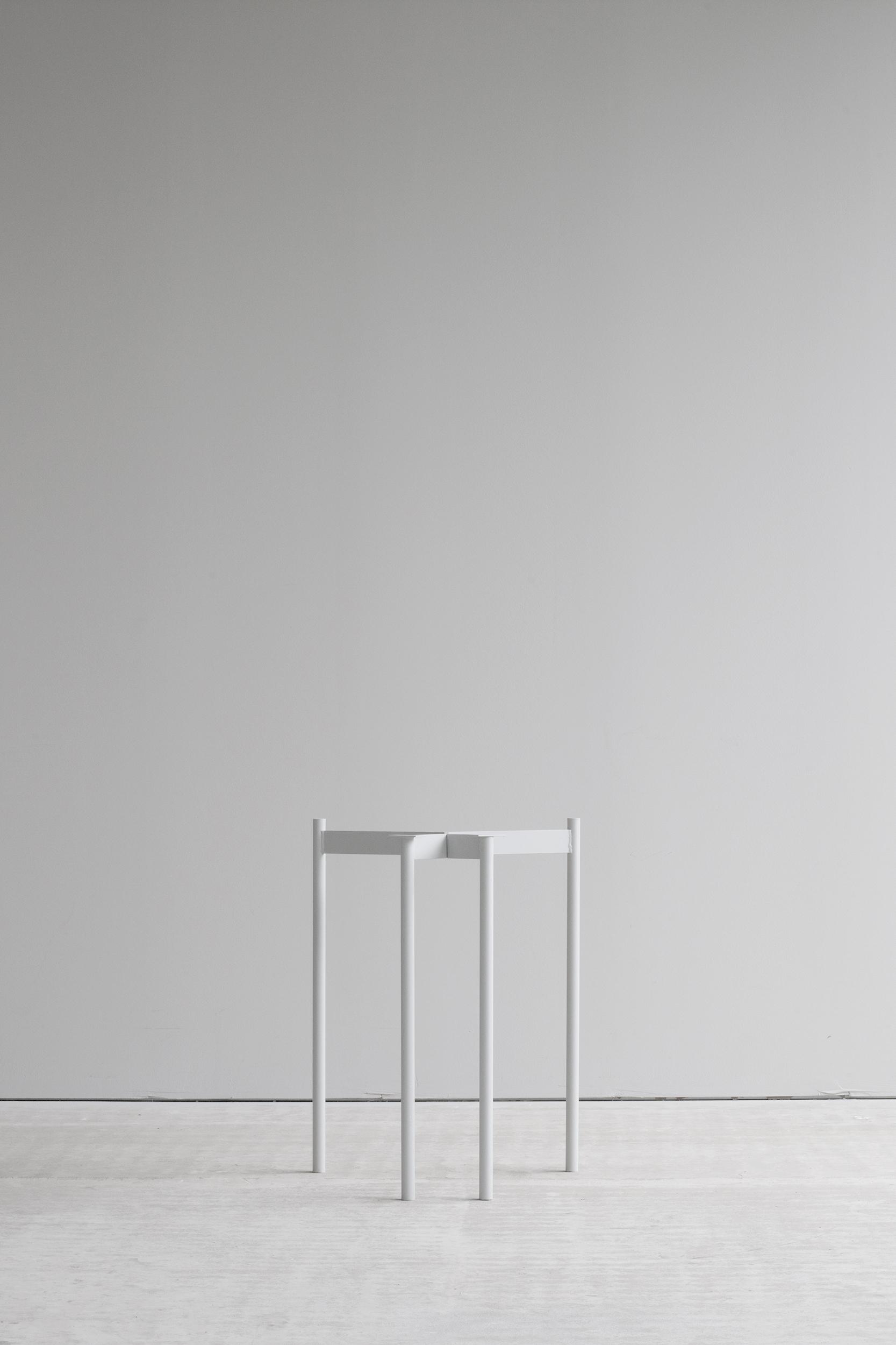 Lintel trestle frame light grey