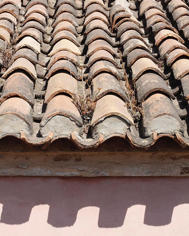Repetition #spanishrooftops #architectural #terra #practicalmadepretty #inspiring #structures #textures