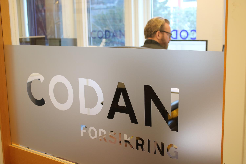 Rådgiverne hos Codan i Åsane sitter på egne kontorer med felles pauserom.