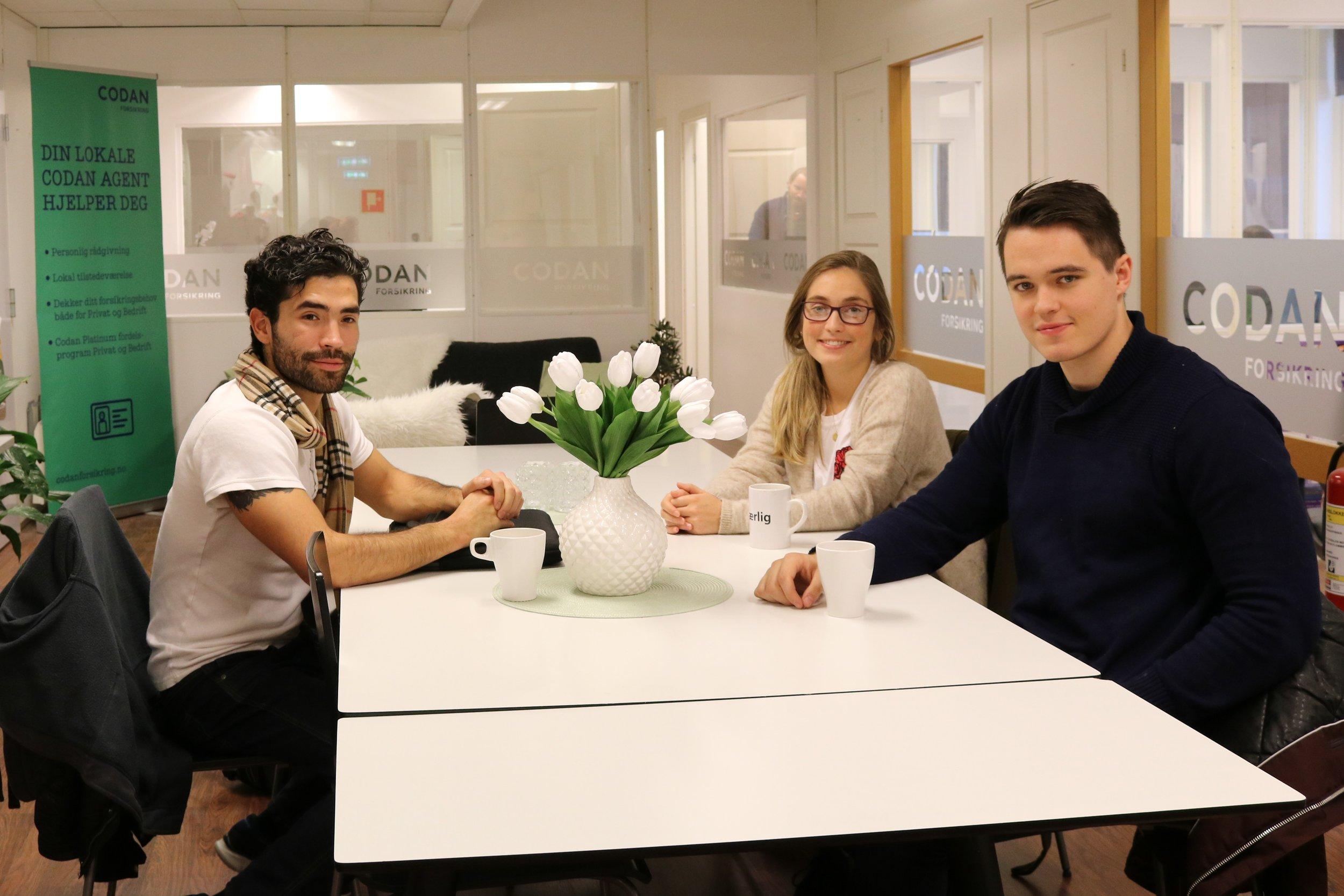Christopher, Marte og Mathias var veldig interessert i å lære mer om å være forsikringsrådgiver.