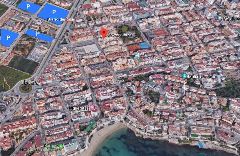 Cowork Ibiza location of free parking areas / Ubicación de Cowork Ibiza y zona de parking gratuito  Fuente: Google Maps