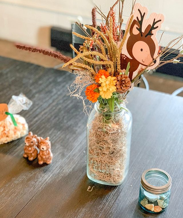 FALLelujah!! 🍂 We are just ONE week away from the arrival of one of our favorite seasons of the year! And everywhere we look beautiful autumn colors are making their big debut. 🍁We love how our client decorated for their baby shower last week. So we just HAVE to share some additional #details of their celebration. 🦌What are your Autumn decor must haves? #Autumn #Fall #Decor #BabyShower #ohdeer #centerpieces #DIY