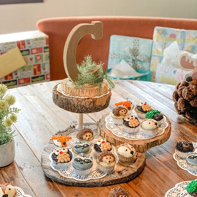 """""""Oh deer! He's almost here!"""" We hosted an adorable baby shower in The Loft today. It was so cute we couldn't help but snap a few pics of their decor and how they used the space. Cupcakes by #AllCakedOut (local baker). Swipe to see more pics! 🦊🦉🌿🦝🦔🐻🌿 #babyshower #theloft #greatroadonmain #cupcakedesign #cupcakes #christiansburgva #downtown #eventvenue"""
