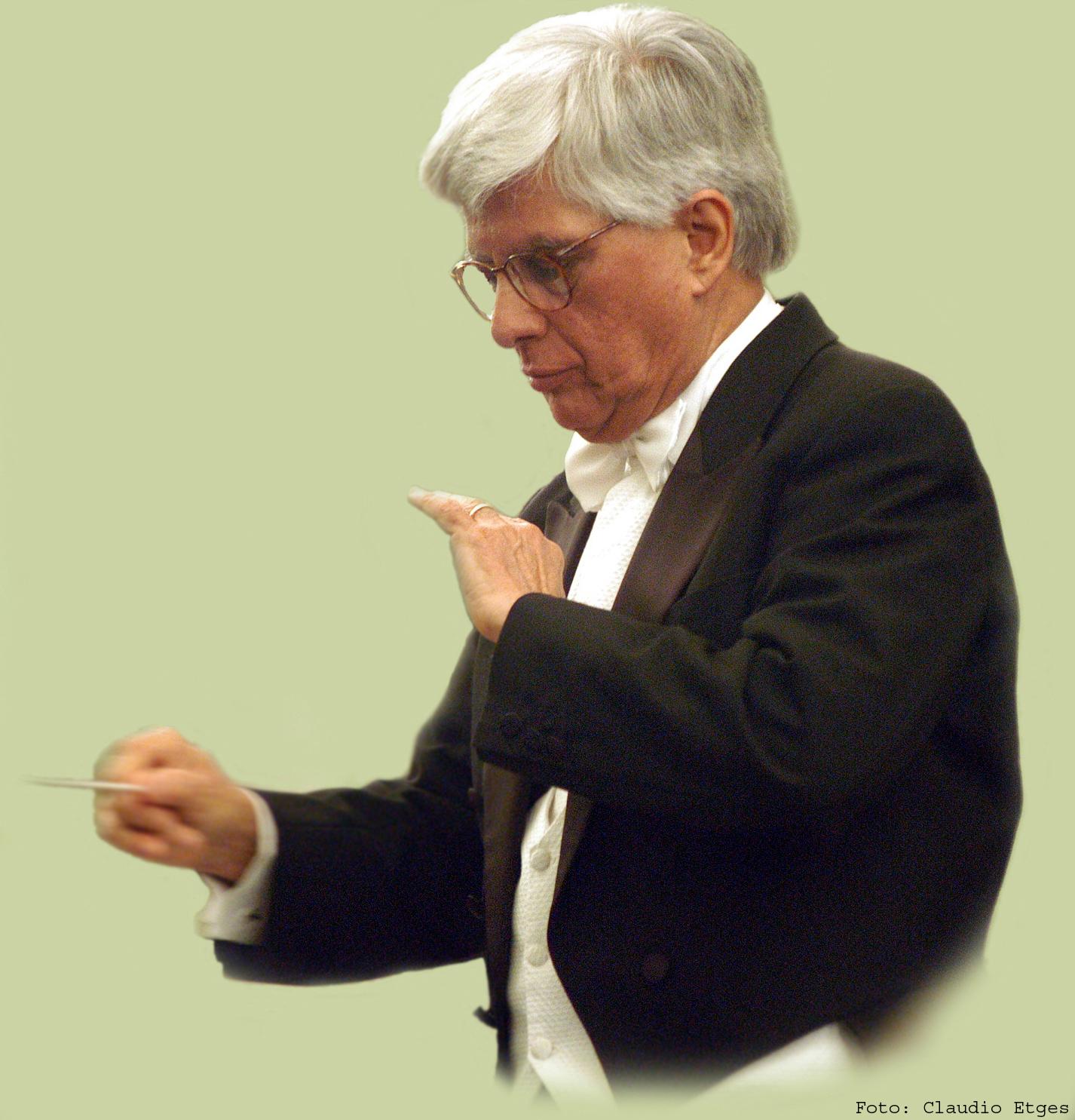 Roberto Duarte casaca.jpg