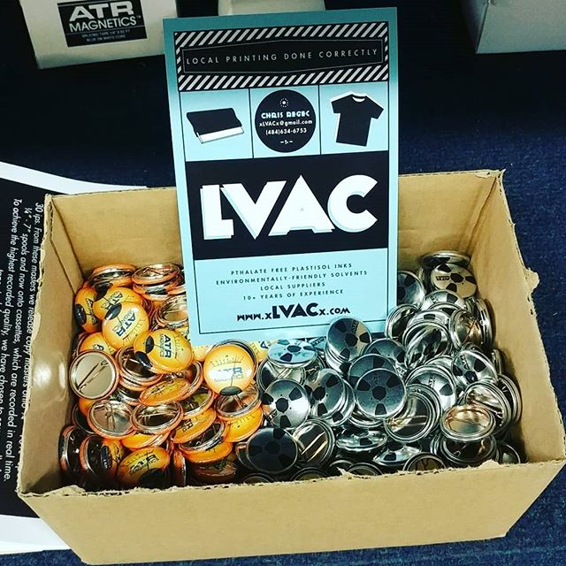 Buttons are BACK!  We'll start sending them out with orders on Monday.  Have a good weekend everybody! Thanks @thelvac they look great!!