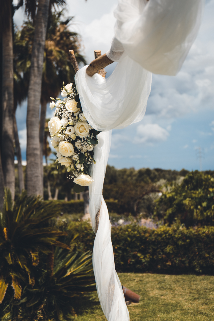 wedding photographer mallorca dominic lula wedding flowers