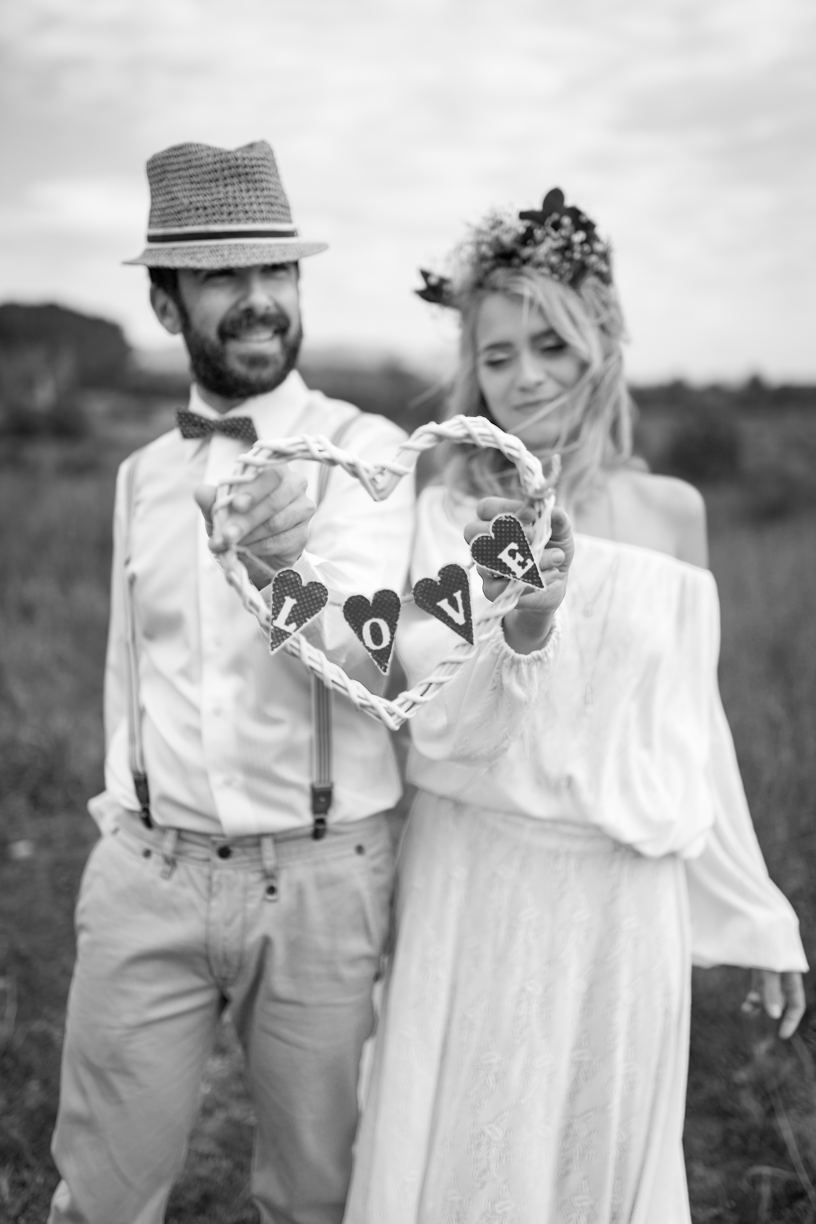 wedding photographer mallorca dominic lula love hart couple photoshoot engagement session