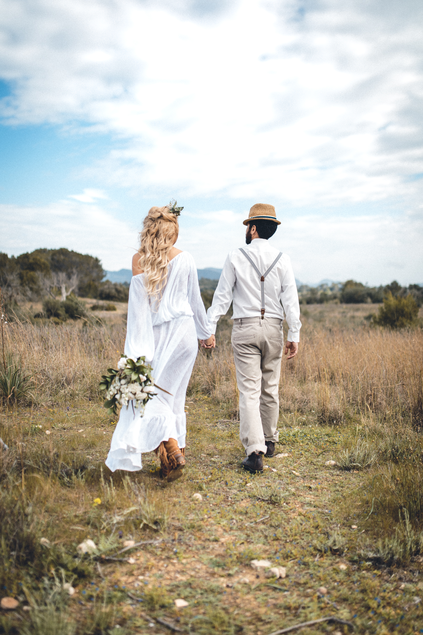 wedding photographer mallorca dominic lula couple holding hands couple photoshoot engagement session