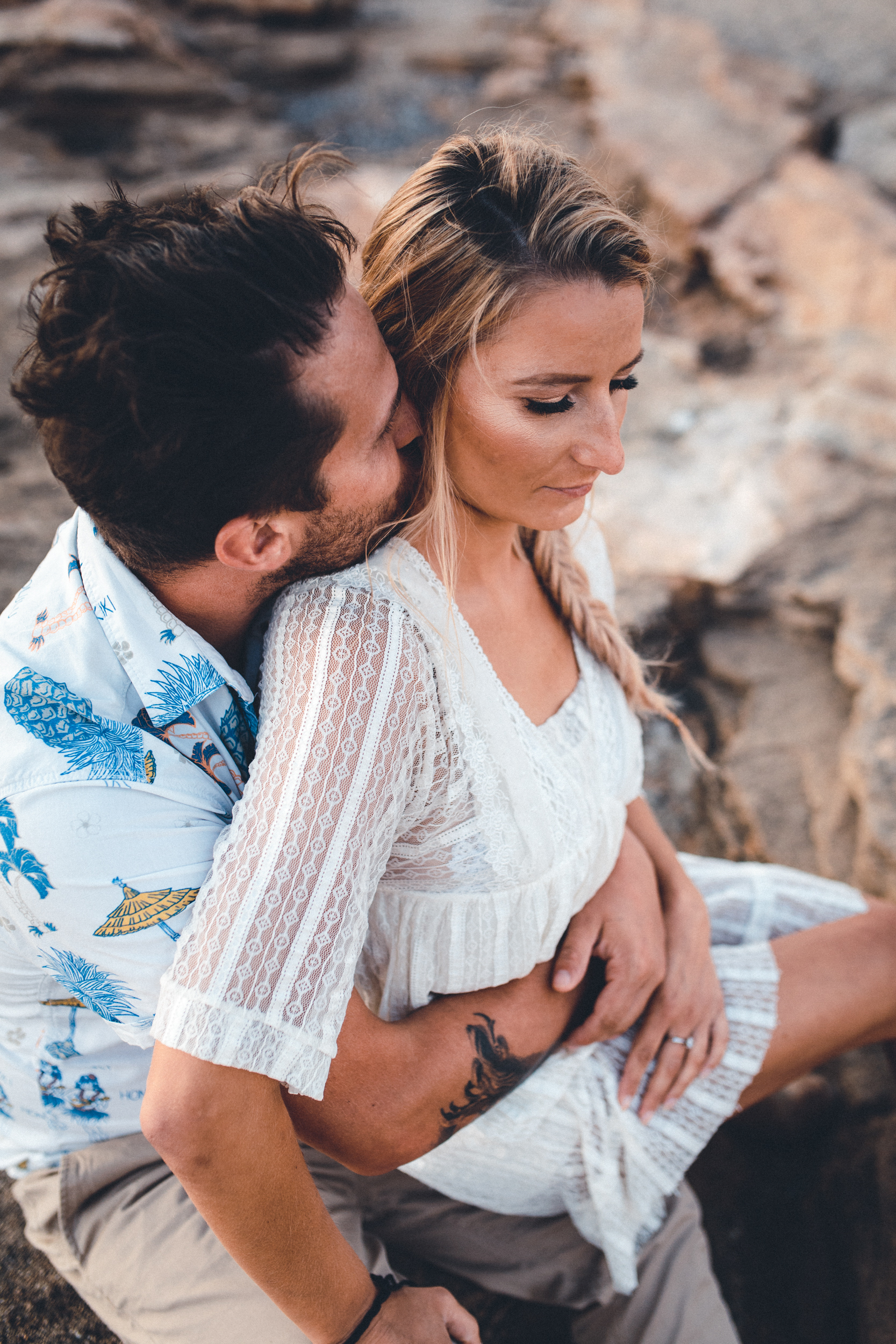 wedding photographer mallorca dominic lula couple hugging couple photoshoot engagement session