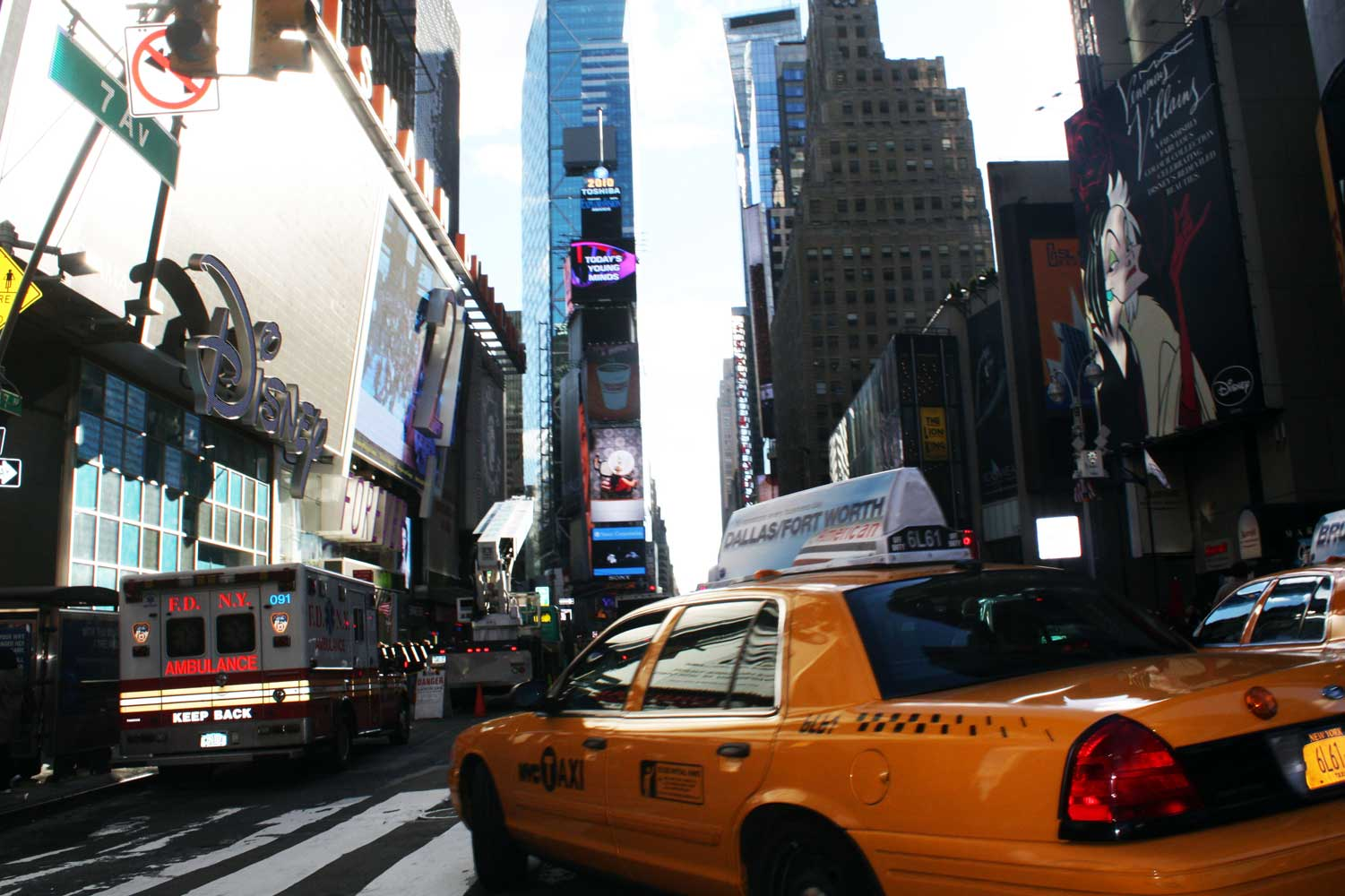 New York is ALWAYS a good idea! I can't wait to go back as a tourist, not a commuter.