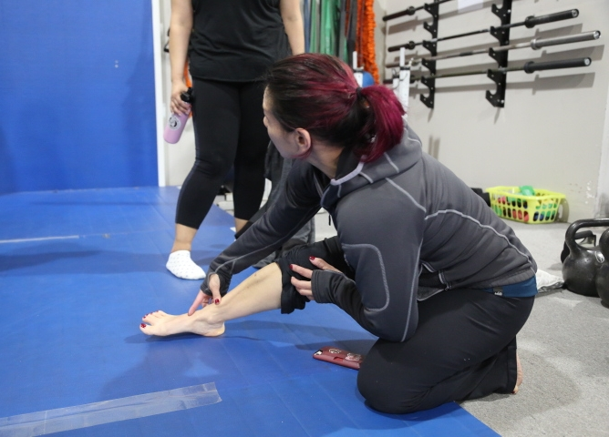 Deanna showing leg 4.JPG