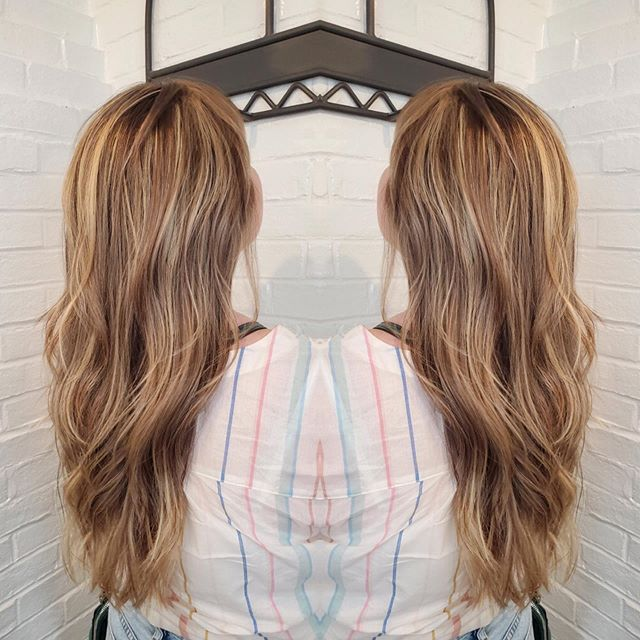 Full balayage done by Wendy! Came in with brown hair walked out a dimensional goddess 💁🏼♀️🙌🏼