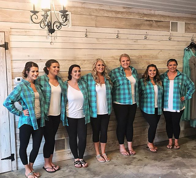 Shot of the bride and her bridesmaids before getting dressed and walking down the isle 😍 #weddingseason #bridehair #bridemaids #barnwedding #thezonesalon