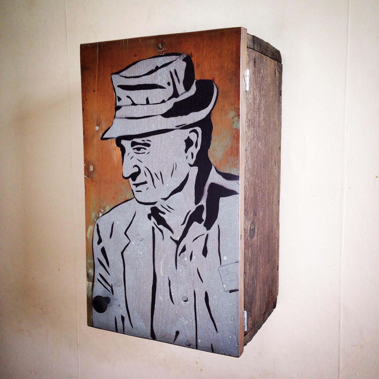 """Longshot (Wooden Box)"""
