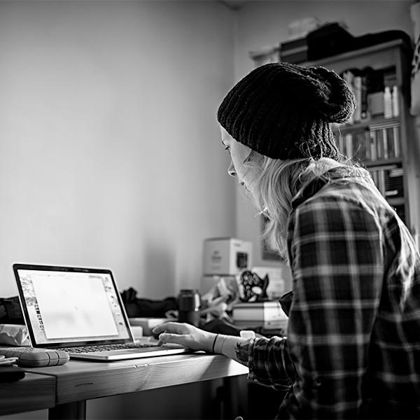 IMG_5068-Rachel-Working-at-Computer-600px-1.jpg