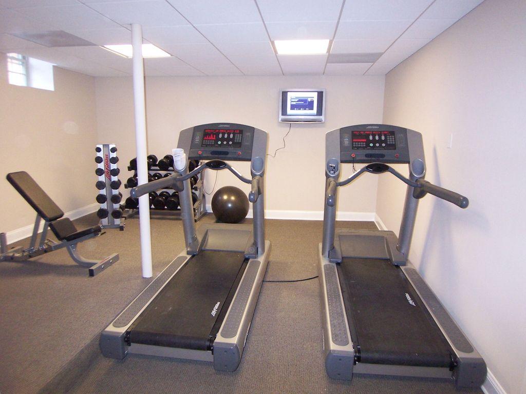 Deluxe Fitness Center