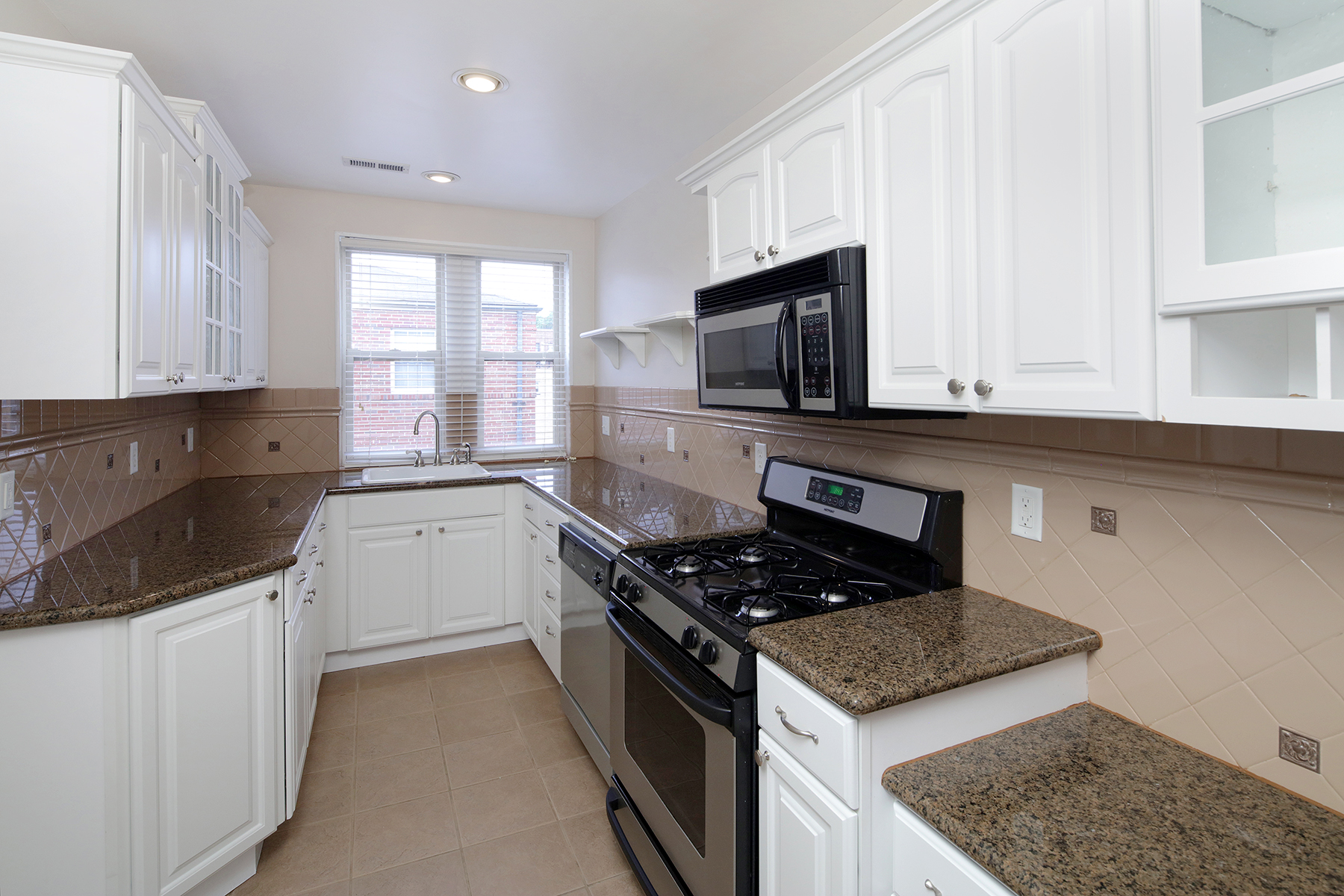 1 Bed Large Kitchen
