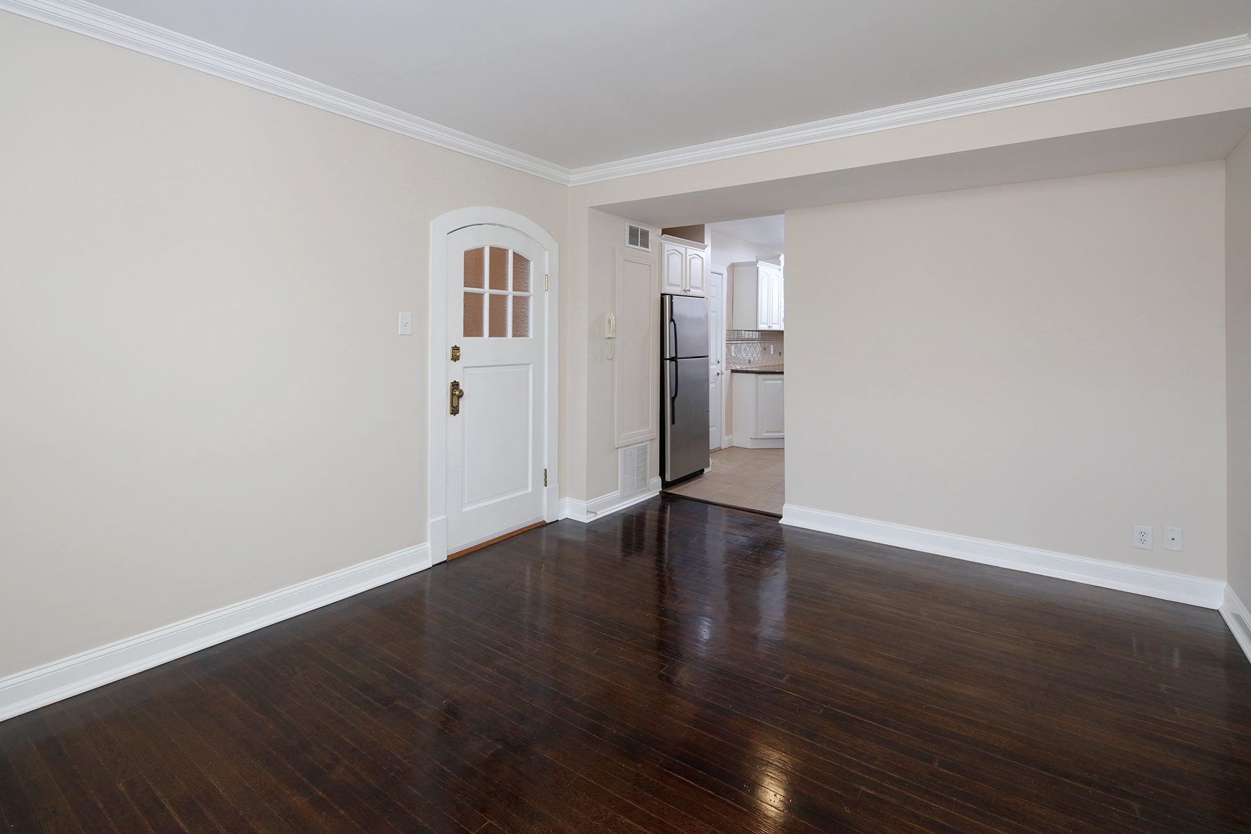 1 Bed Large Living Room