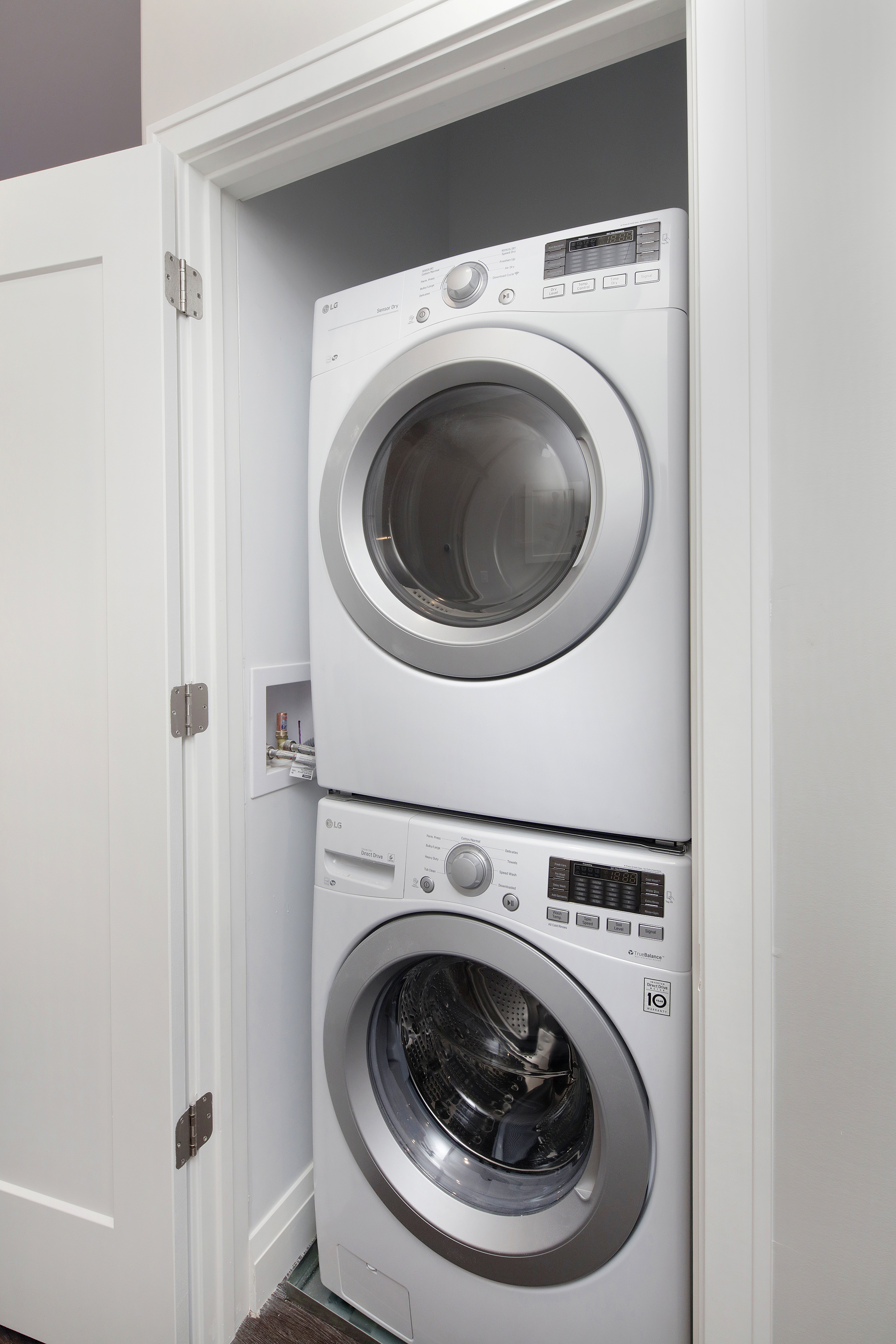 1 Bed In Unit Laundry
