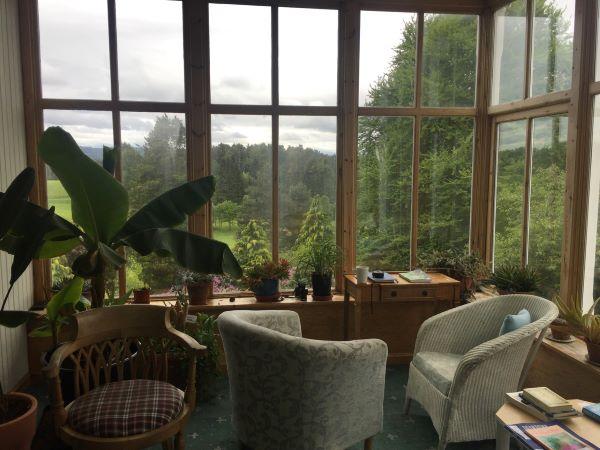 Cluny Hill, Findhorn Foundation in Schottland, wo Klara ihre Gedanken zu Papier gebracht hat.
